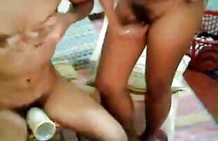 Meztelen lány csók finom pornó ember fürdőszoba
