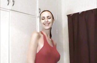 Vonzó csirke anya pornó készült lyukak