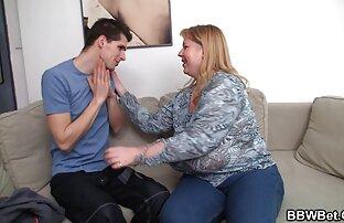 Két fiatal szekszes videók sportoló ugrik a padra