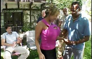 Két élő sex videó fiatal srác dobott egy gyönyörű nőt