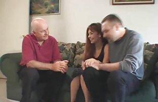 Gyönyörű panorámás kilátás a fiatal pár a szabadban szex videok ingyen online