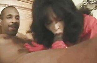 Gyönyörű szőke eszik, egy ingyen porno filmek online fekete ember