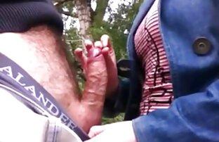 Egy ingyen érettsex férfi baszik egy ing