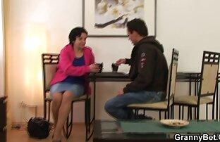 Egy orosz fiú egy fiatal szeretővel szex4you