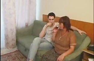 Romantikus ingyen anya fia porno kilátás erkély az erkélyen